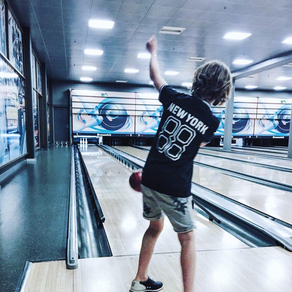 bowling skalleup